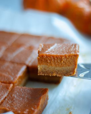 Light Pumpkin Pie Bars