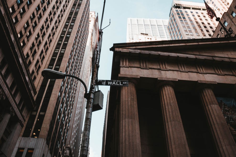 A photo of Wall Street.
