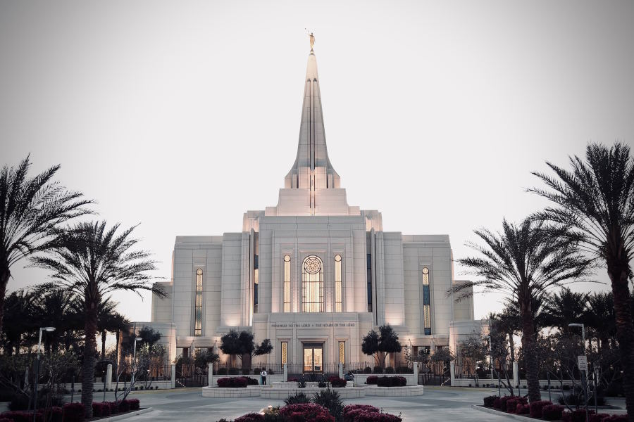 A photo of the exterior of a Mormon temple.