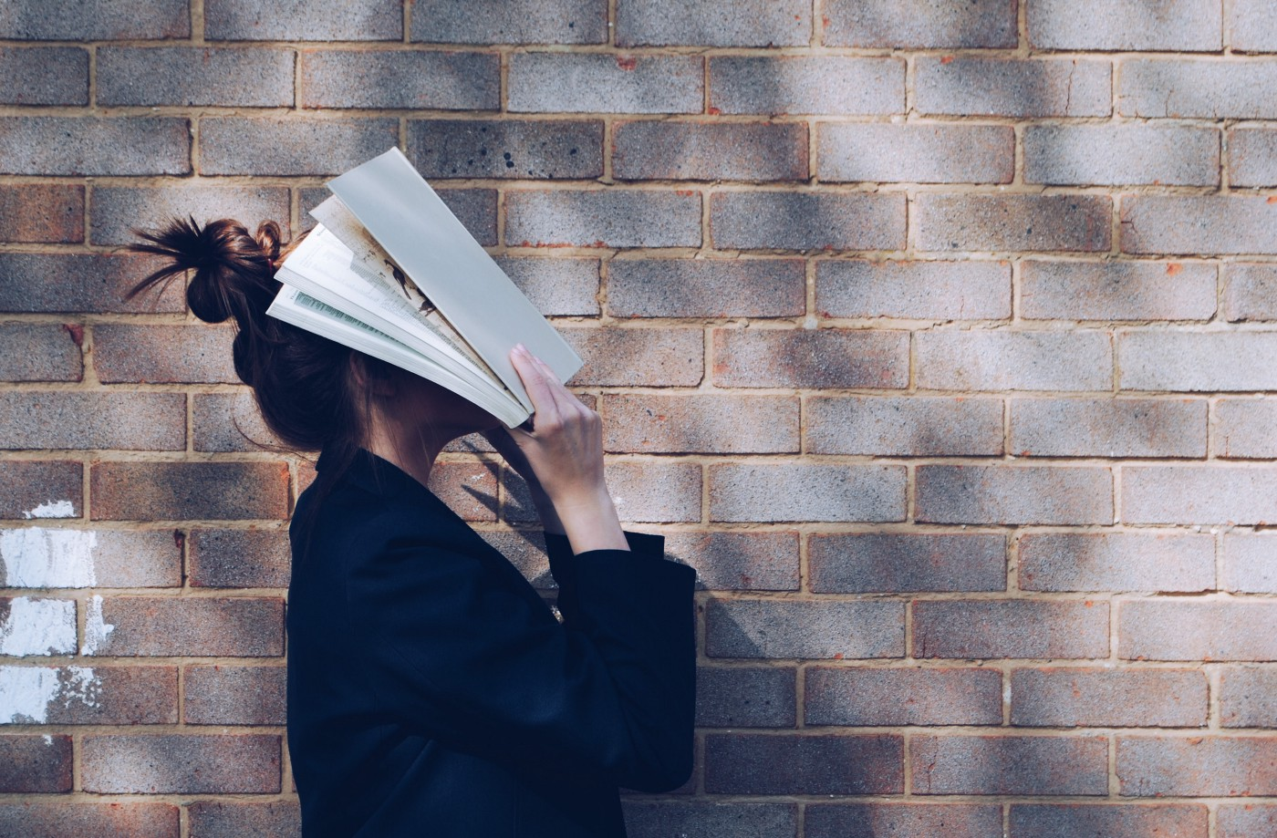 woman-with-book