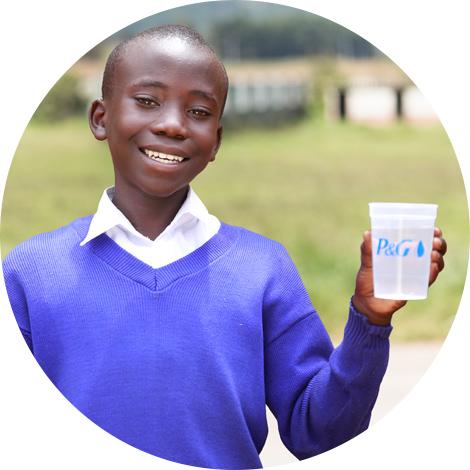Agua Limpia para los niños P&G - Boniface Otieno, Kenia