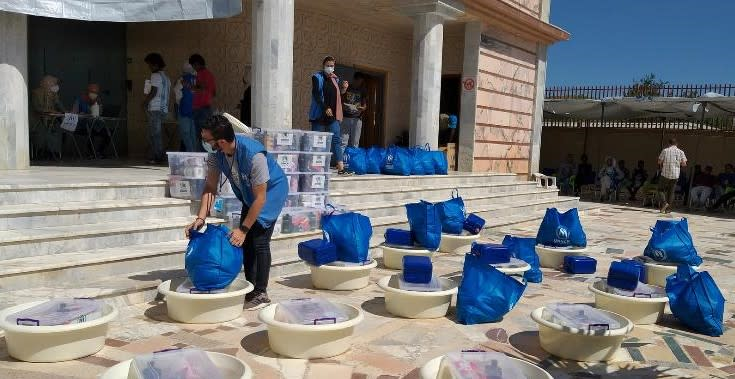 Ramadan aid distributions amid food shortages and price surges. (Caroline Gluck UNHCR)