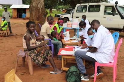 Clinique mobile dans le village de Daté. ©OCHA/Virginie Bero. Daté, Préfecture de la Mambéré-Kadéï, RCA, 2020.