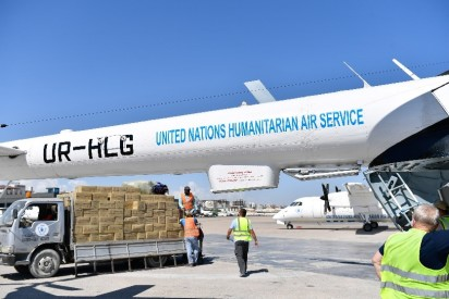 UNHAS flight being loaded in Mogadishu. Photo: WFP