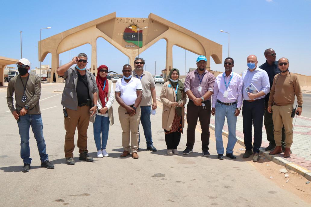 Inter-agency UN mission team at Emsaad border crossing (UNICEF/Salem Al-Obaidi)