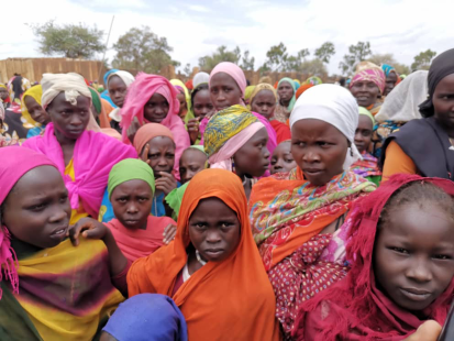 نسوة وأطفال في قرية خور النبق بمحلية جنوب جبل مرة بولاية جنوب دارفور (بعثة مشتركة بين الوكالات، يوليو 2020)
