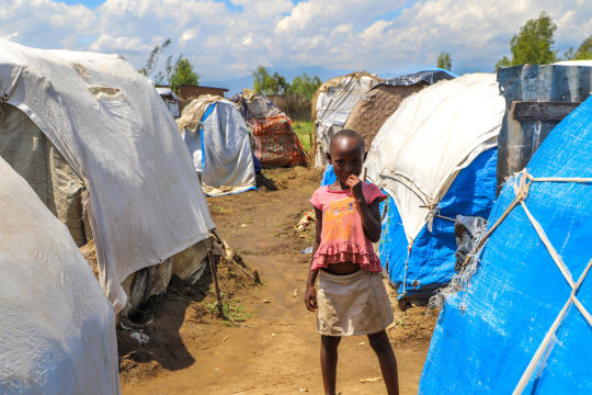 Site des déplacés de Kinyinya où 2885 personnes vivent depuis les inondations de 2020. La population nouvellement déplacée suite aux inondations de mai 2021 vient de s'y installer, OCHA 2021 © C.Marquis
