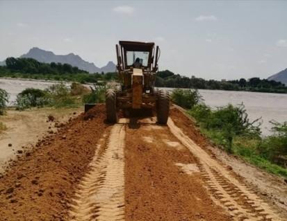 River-protecting embankments under construction in Kassala State. UNDP Sudan/Lancelot Ayo Lake