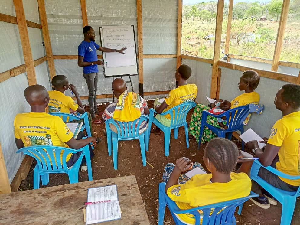 IOM trains eight volunteers on Ebola transmission, signs and symptoms in preparation for the opening of the point of entry screening site in Lasu, Yei County. Credit: IOM