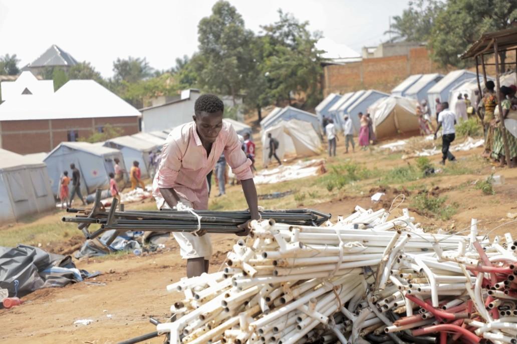 Iyugagwa ry'inkambi y'abahunze imvura ku winterekwa  © Help a Child 2020/Jean Asali Lobiko