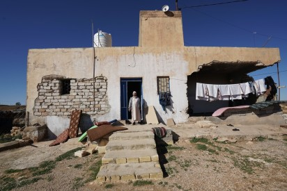 Ongoing conflict has damaged or destroyed people's homes, causing further displacement (OCHA/Giles Clarke)