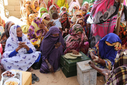 Women from Kasala contributing to the community fund UNFPA Sudan-Sufian Abdulmouty