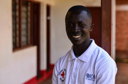 Fiacre Manariyo, 33 ans, n'umwe mubakurikiranira hafi DTM y'ishirahamwe ritabara imbabre Croix rouge burundi mu ntara ya Ngozi Photo : Lauriane Wolfe/OCHA 2020