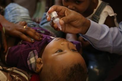 A child receives the first dose of cholera vaccine_UNICEF (11 October 2019)