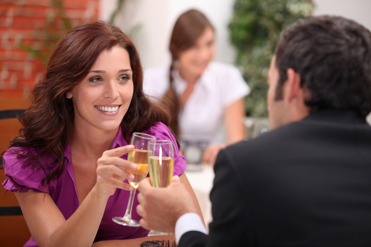 6 Essential Tips for Savvy Women To Rock Their First Date and Create Success -2