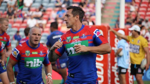 mitchell pearce playing for the Newcastle Knights following his State of Origin injury