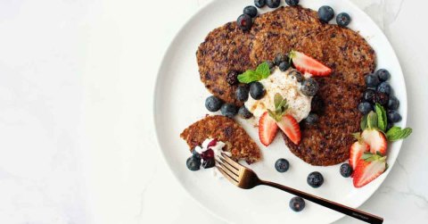 vegan blueberry pancakes