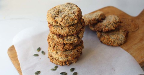 oat and cinnamon breakfast biscuits