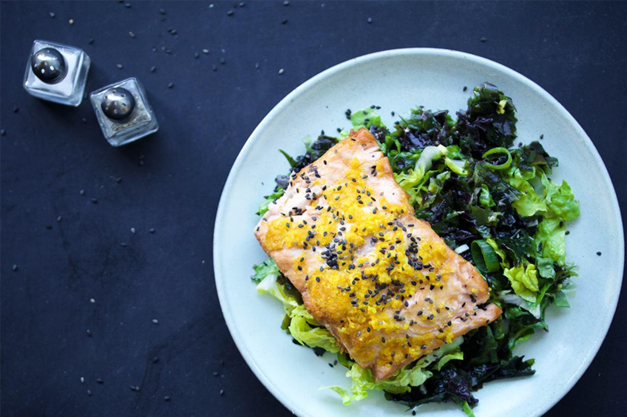 salmon seaweed salad