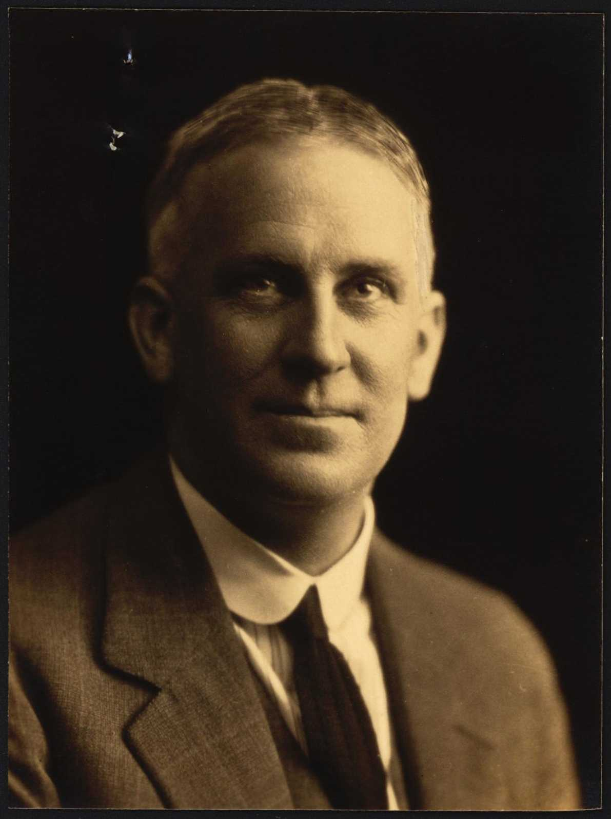 Stanley Sydney McPherson Dean passport photo
