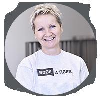BOOK A TIGER  Aleksandra Reinigungskraft