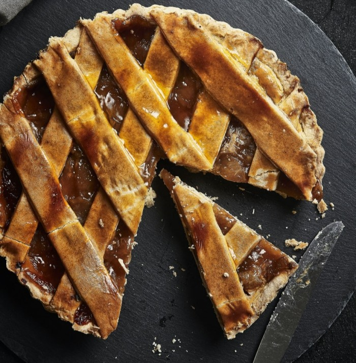 Sliced apple pie