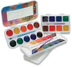 Yarka Semi Moist Watercolor Pan Sets. Various sets open.