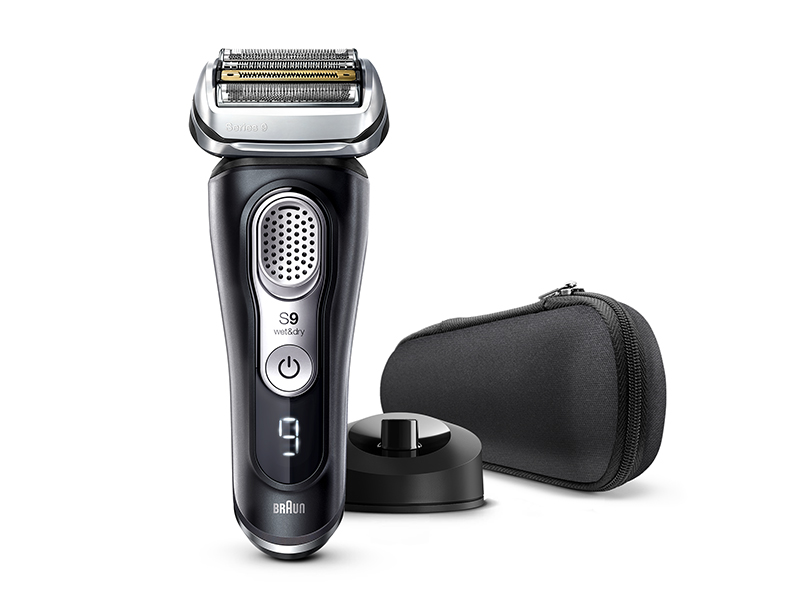 Series 9 9340s Wet & Dry shaver with charging stand