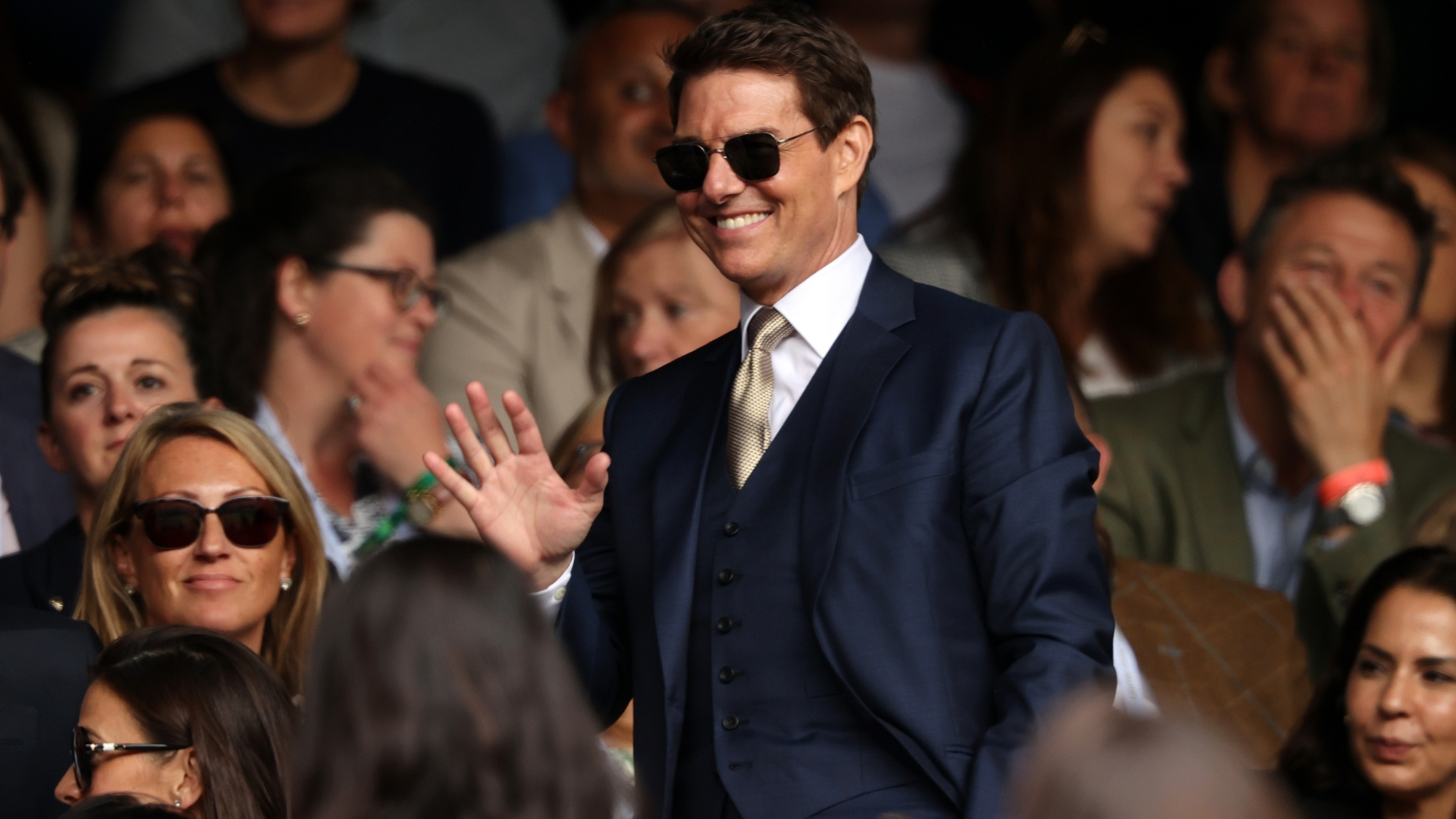 Tom Cruise's new look shocked fans, sparking plastic surgery rumors