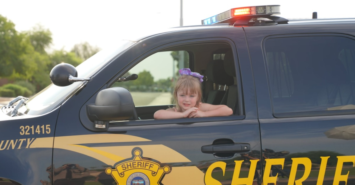 A Little Girl Escorted To Her 1st Day Of Kindergarten By Deputies After Vet. Father Dies