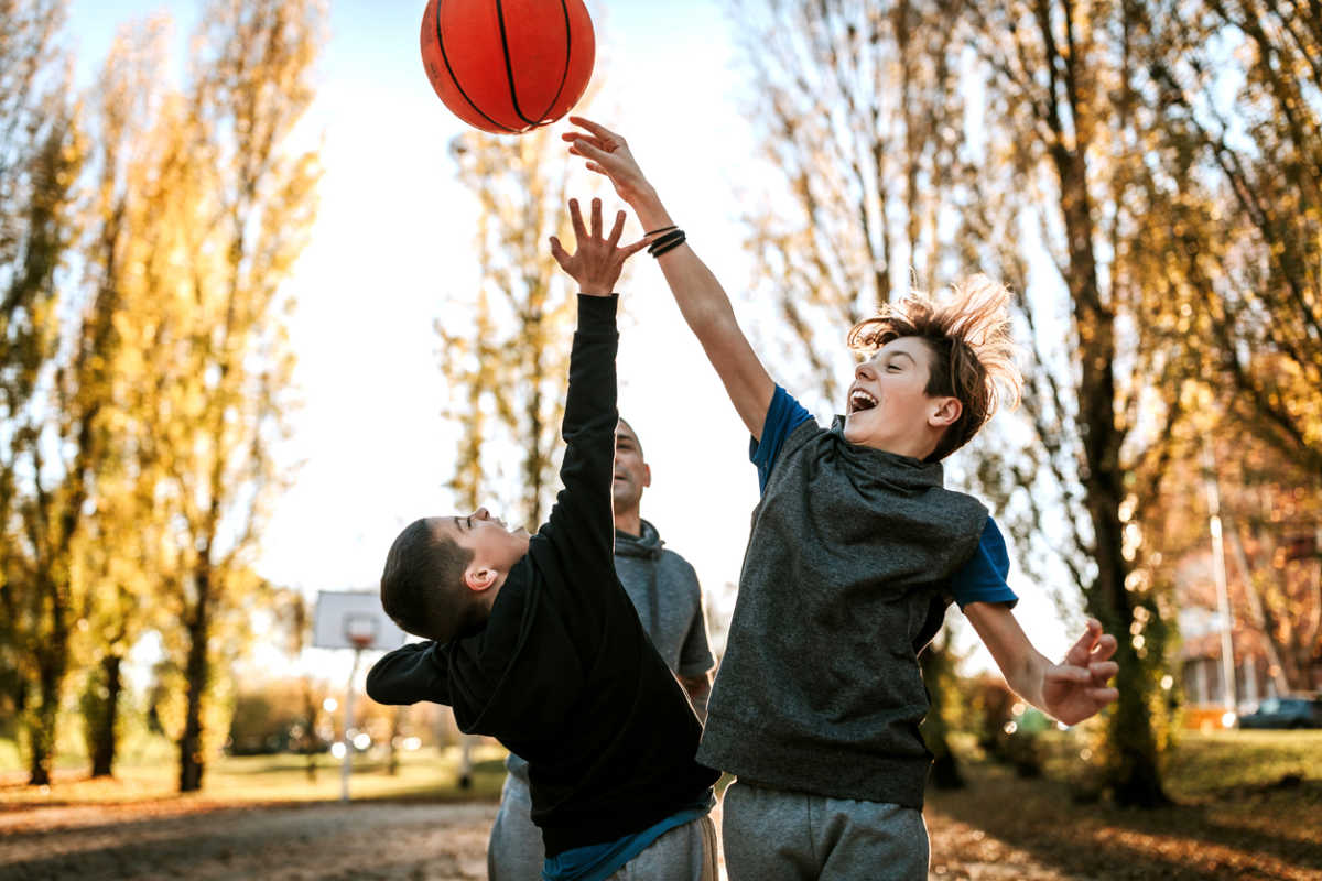 Rivalry between brothers on basketball match