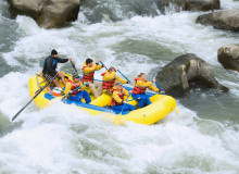 Swoop | a picture of a group of people in Arizona white river rafting