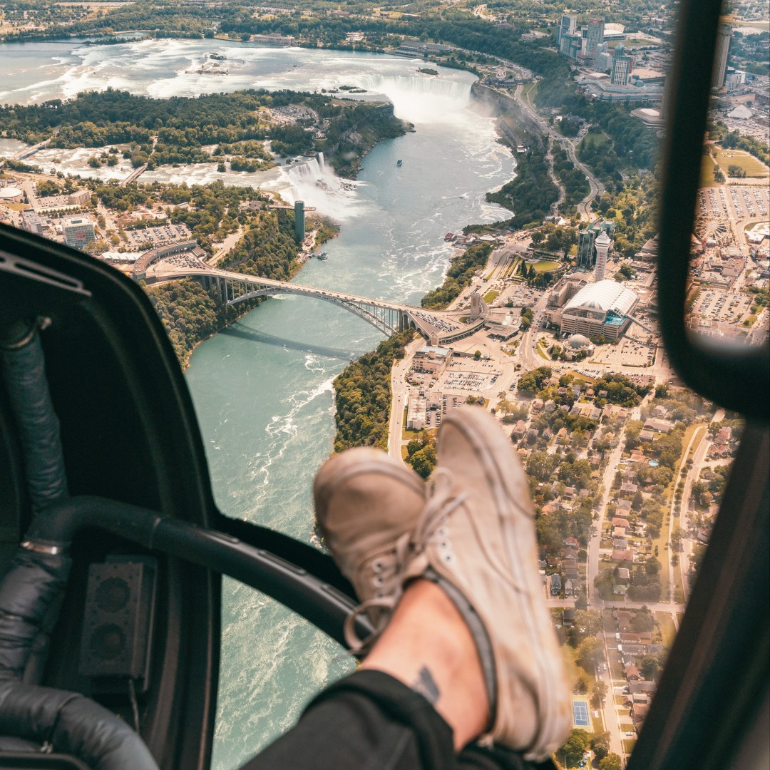 Swoop | a ride with Niagara Helicopters in Ontario near Hamilton and London