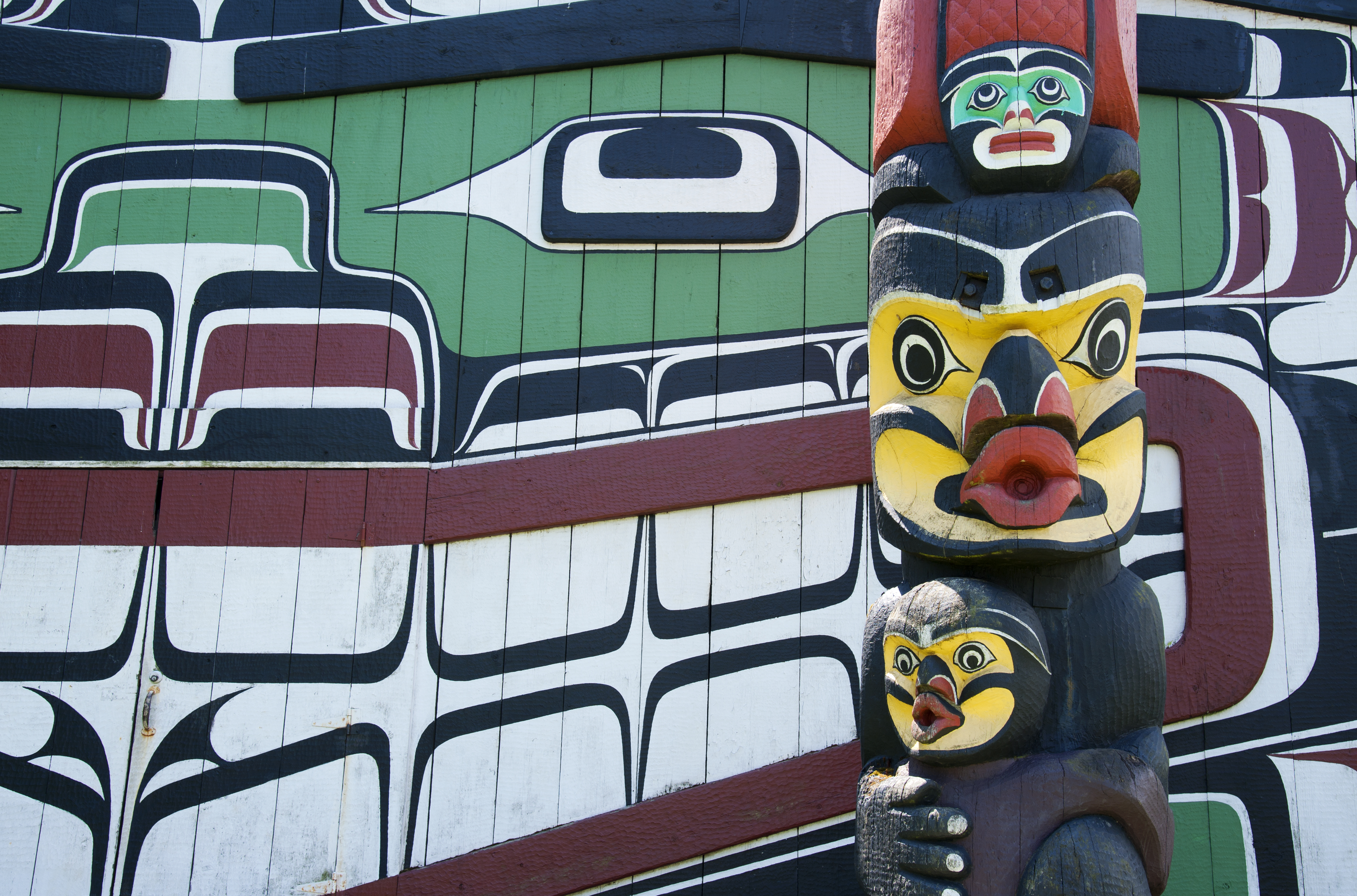 Swoop | First Nations totem in Victoria British Columbia
