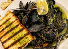 Swoop | a picture of mussels and a piece of bread
