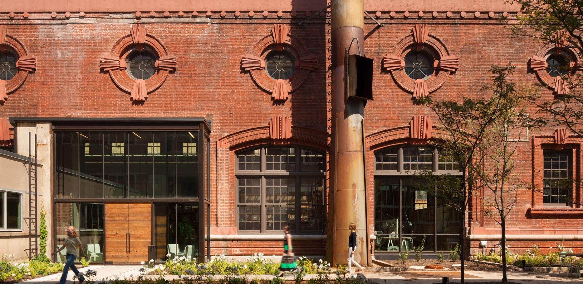 Dating buildings by bricks