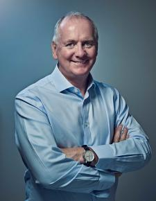With a successful management career in Formula 1, Mark knows a thing our two about creating high performance teams.  A former member of the management board of race winning teams, he is a highly respected broadcaster and author.  In recent years he has become the foremost speaker on business lessons from Formula 1, delivering keynote presentations, workshops & moderated appearances alongside star drivers.