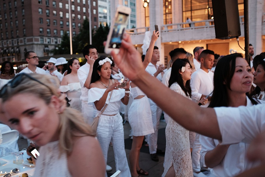 US-ANNUAL-DINNER-EN-BLANC-HELD-IN-NEW-YORK