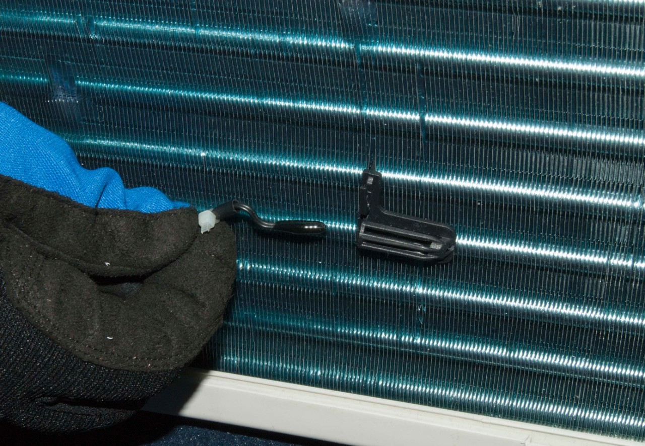 How to replace a window air conditioner ambient thermistor