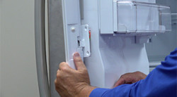 How to replace a flipper mullion on a French-door refrigerator