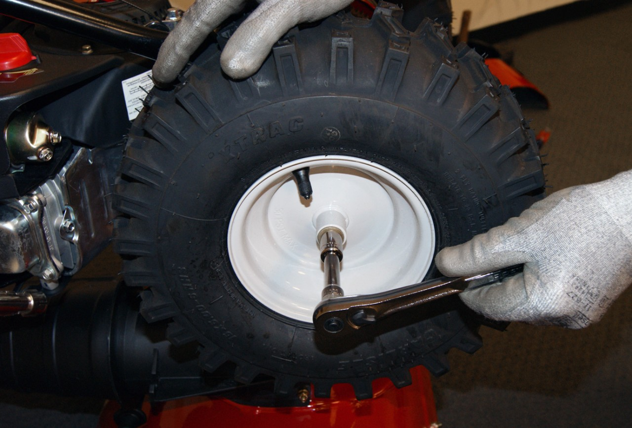 How to replace a snowblower friction disc | Repair guide