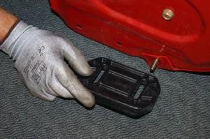 Remove the skid shoe.