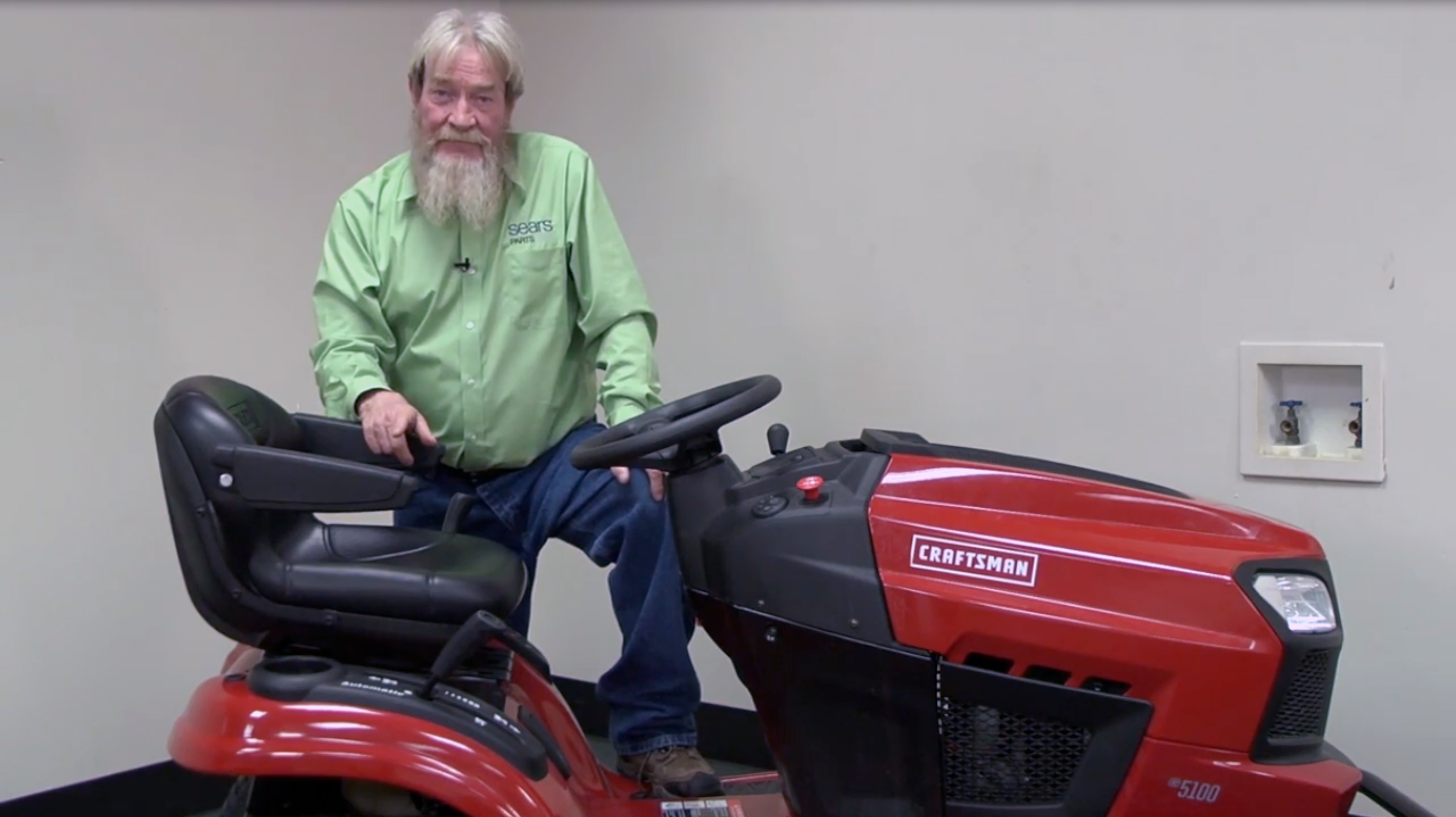 Jump-starting a riding lawn mower battery video | Riding