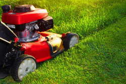 How to remove a lawn mower blade using a removal tool