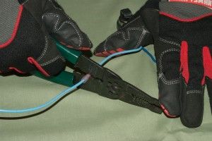PHOTO: Crimp the wire connectors.