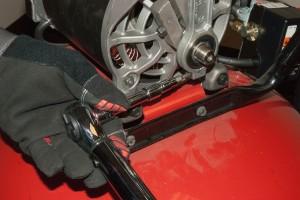 PHOTO: Tighten the Torx screw.