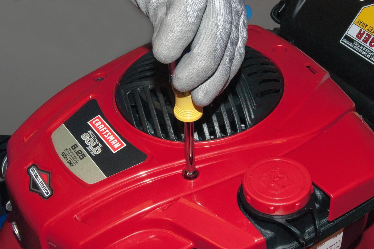 How to replace a lawn mower carburetor | Repair guide
