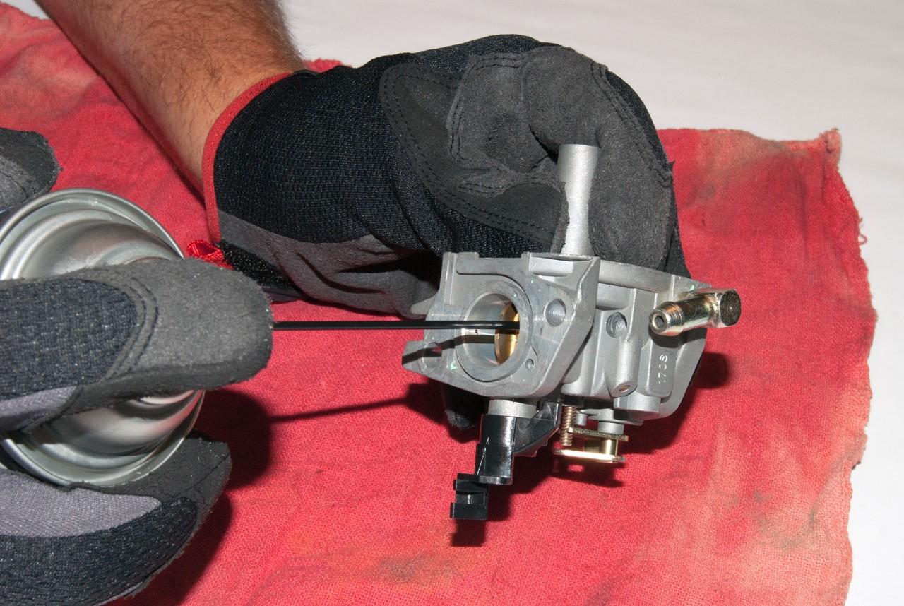 How to rebuild a snowblower carburetor | Repair guide