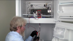 Diagnosing refrigerator evaporator fan problems.