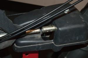 PHOTO: Insert the chute rod.